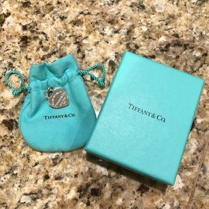 Tiffany & Co. Return to Tiffany Pendant